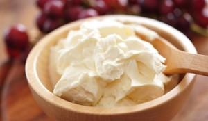 طريقة عمل ساور كريم او الكريمة الحامضة