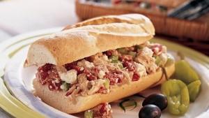 ساندويتش التونا بالمايونيز