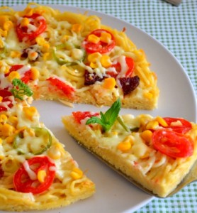 بيتزا المعكرونة