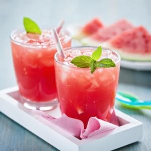 عصير البطيخ الاحمر