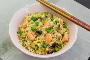 الأرز بسمك السلمون