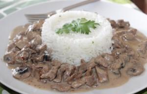 ستروجانوف اللحم بالارز