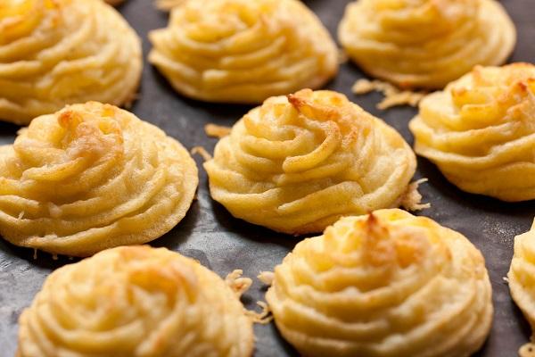 10 وصفات بطاطس سهلة للعشاء طريقة