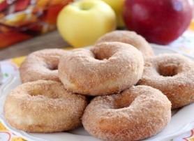 دونات بالتفاح القرفة منال العالم