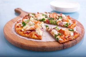 طريقة تحضير بيتزا الدجاج المدخن